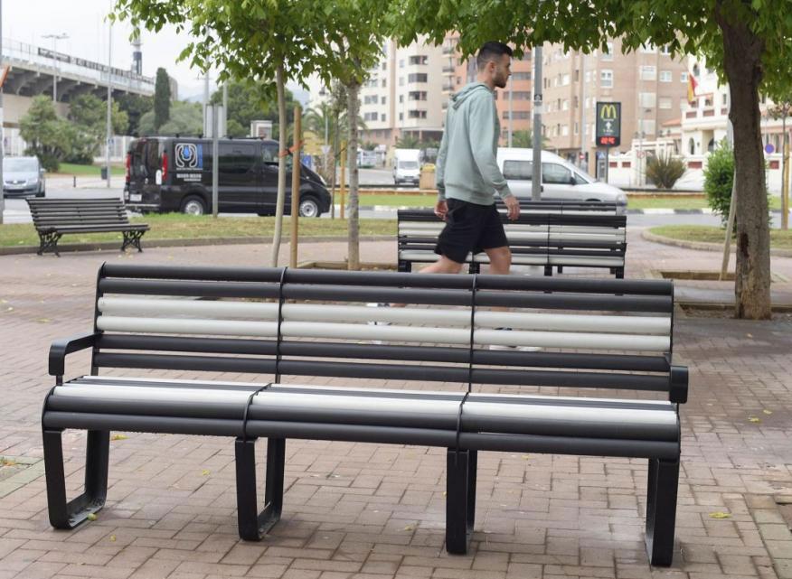 Imagenes Cerámica en el mobiliario urbano de Castellón